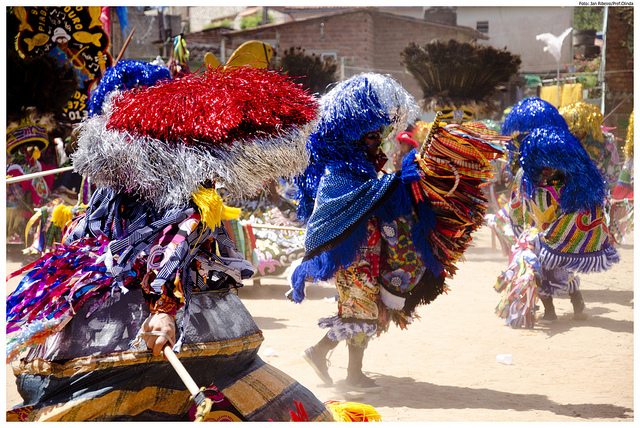 Maracatu no Carnaval de Olinda.