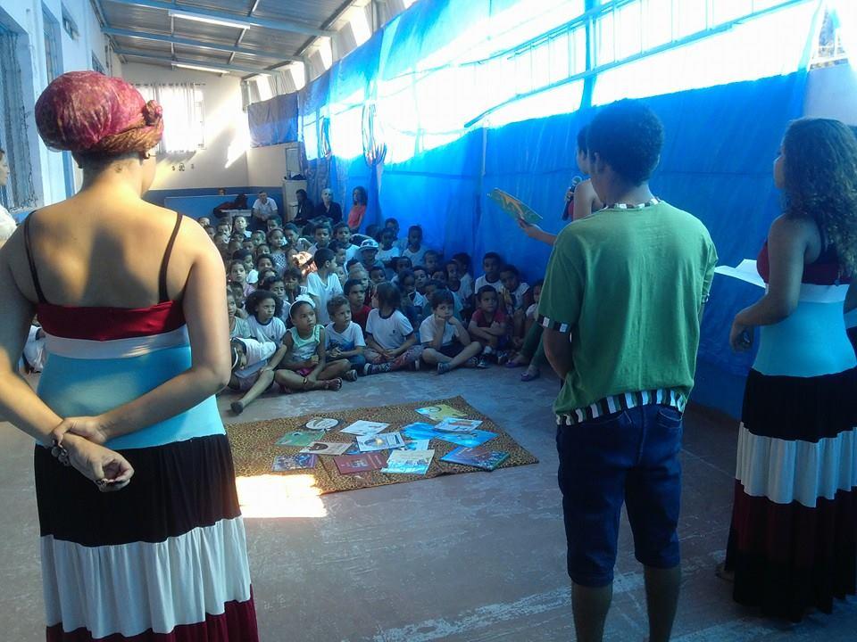 mediação acontecendo no interior de uma escola da região de parelheiros