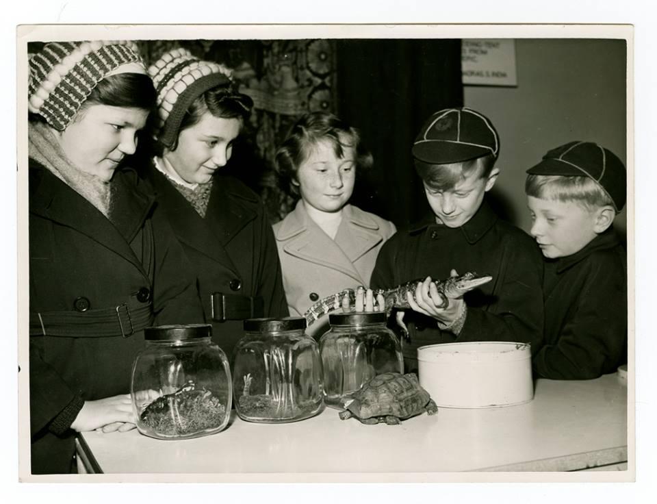 crianças de antigamente no museu